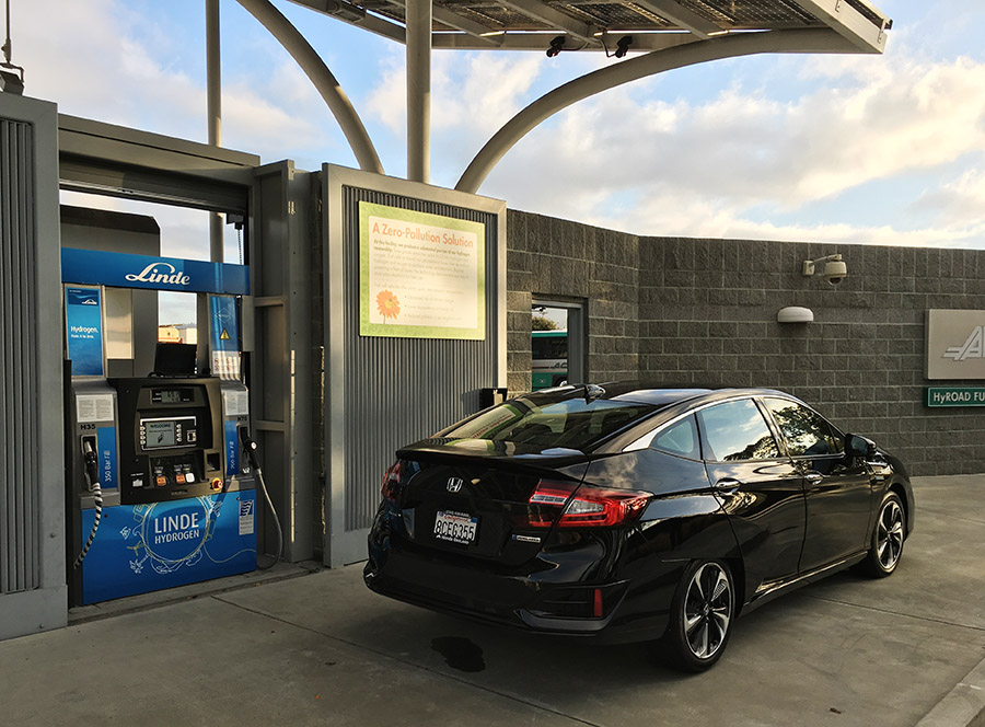 Emeryville Hydrogen Station with Honda Clarity Fuel Cell car