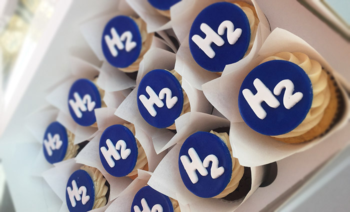 H2 cupcakes at San Ramon hydrogen station ribbon cutting October 10, 2017