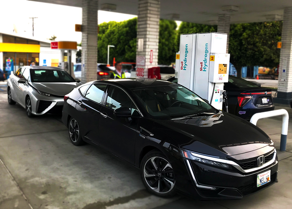 San Francisco hydrogen station - Shell fueling with Toyota Mirai, Honda Clarity