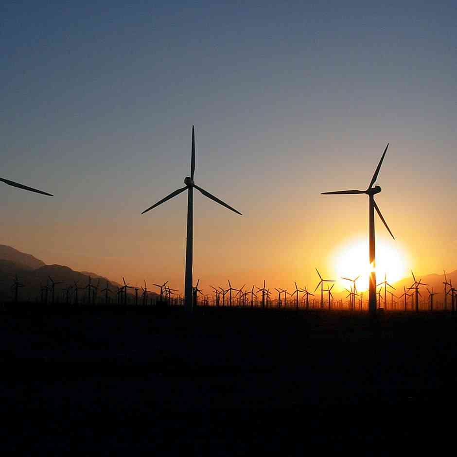 Excess solar and wind energy that would normally be lost can be stored as hydrogen fuel